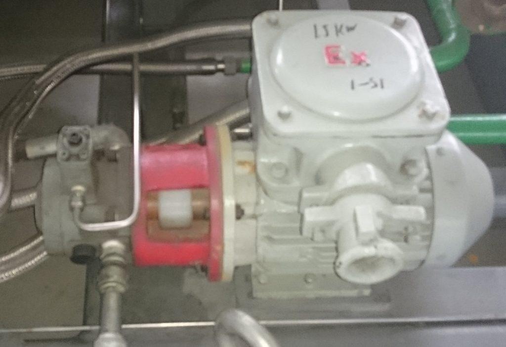 Масляный насос мембранного компрессора